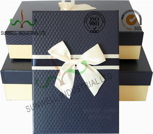 Cina Recycled Multi Colored Retails Handcrafted Gift Boxes Ribbon Bow Decorated Packaging pemasok